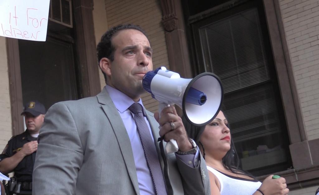Assemblyman Carmelo Garcia (D-33)