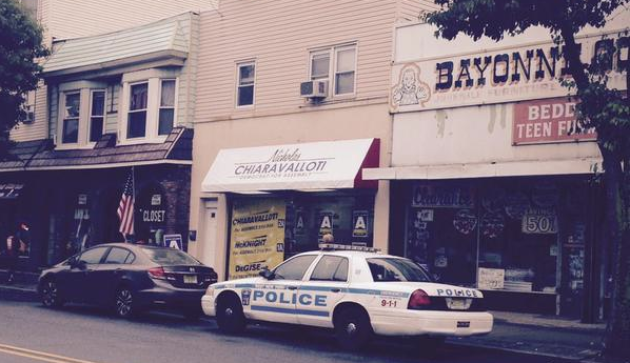 wny internal affairs investigating police car in bayonne during assembly race hudson county view. Black Bedroom Furniture Sets. Home Design Ideas