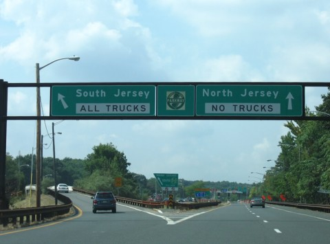 Report 25 Year Old Kearny Man Dies In Garden State Parkway Accident Hudson County View