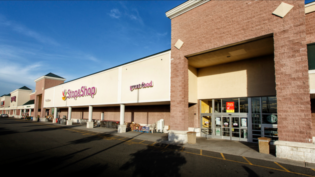 A photo of the Stop & Shop in Bayonne. Photo via www.alessiorg.com.