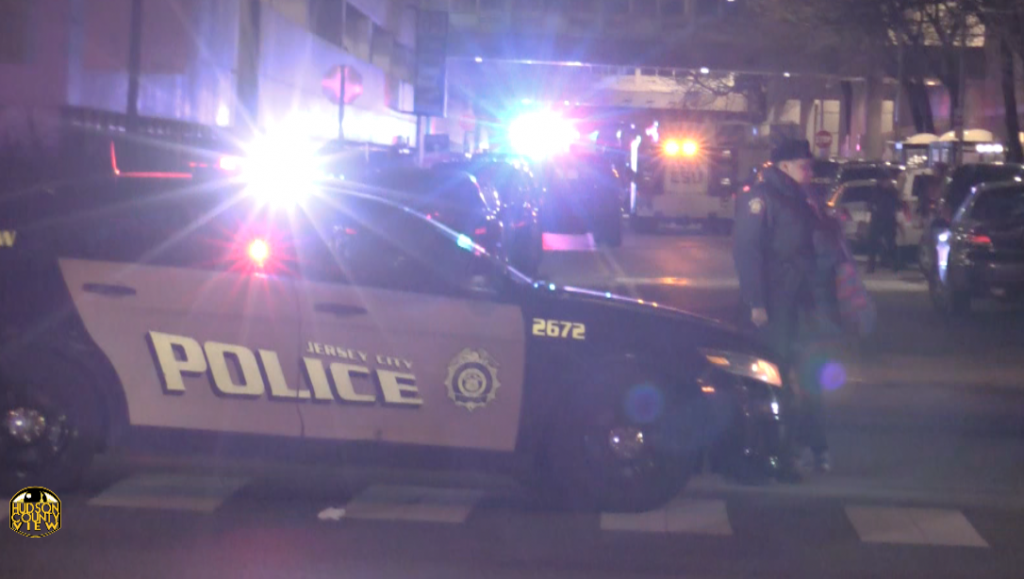UPDATED: Newport Centre mall in Jersey City on lockdown as cops